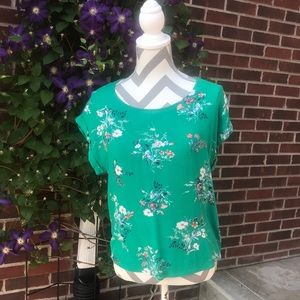 ❗️3/$25❗️ Women's size S green floral top